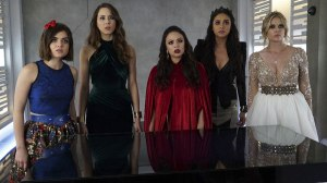 pretty-little-liars-season-6-finale-prom